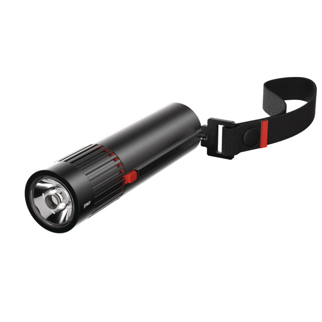 12202     pwr trekker flashlight 900l