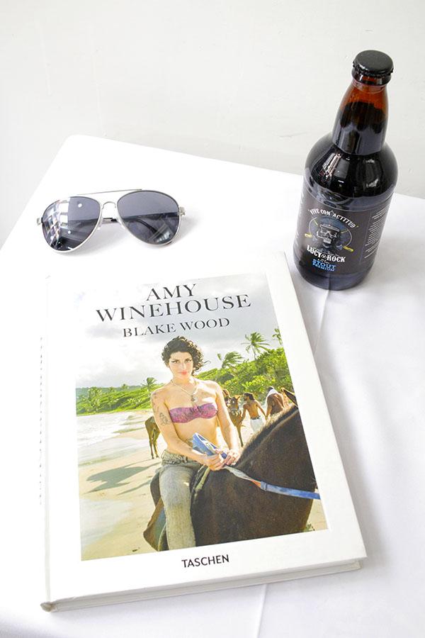 LIBRO AMY WINEHOUSE, BLAKE WOOD