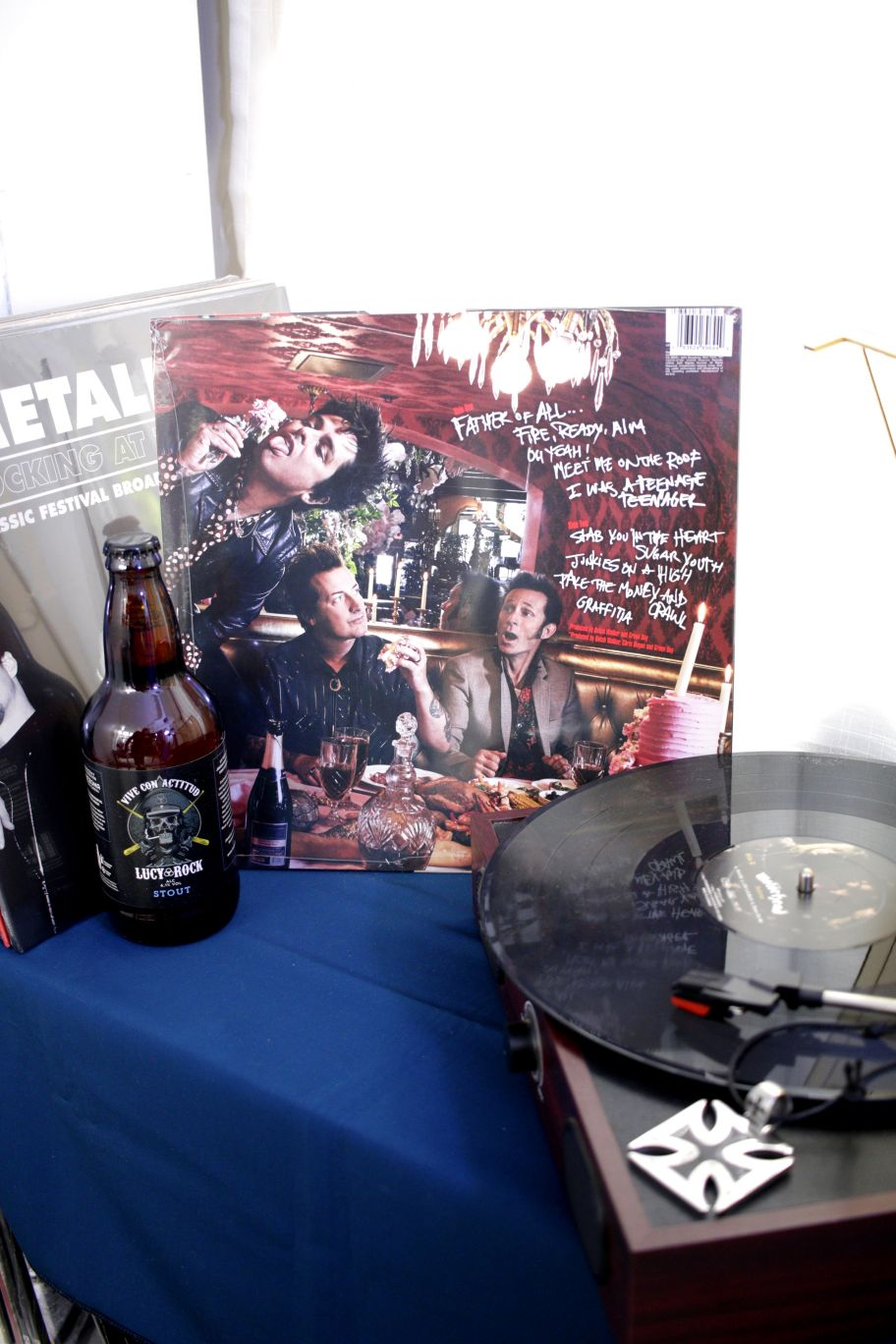 VINILO GREEN DAY FATHER OF ALL (RED VINYL)