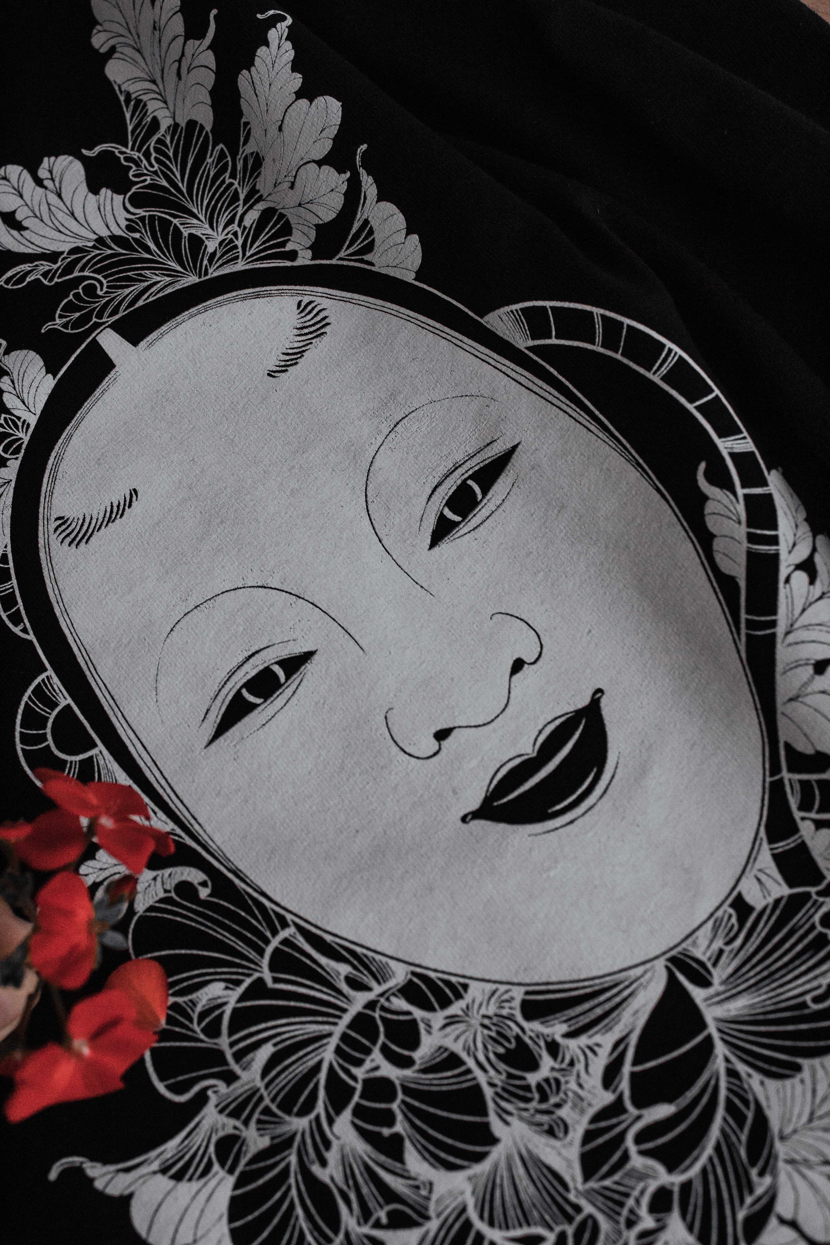 Polera Máscara Noh Talla M
