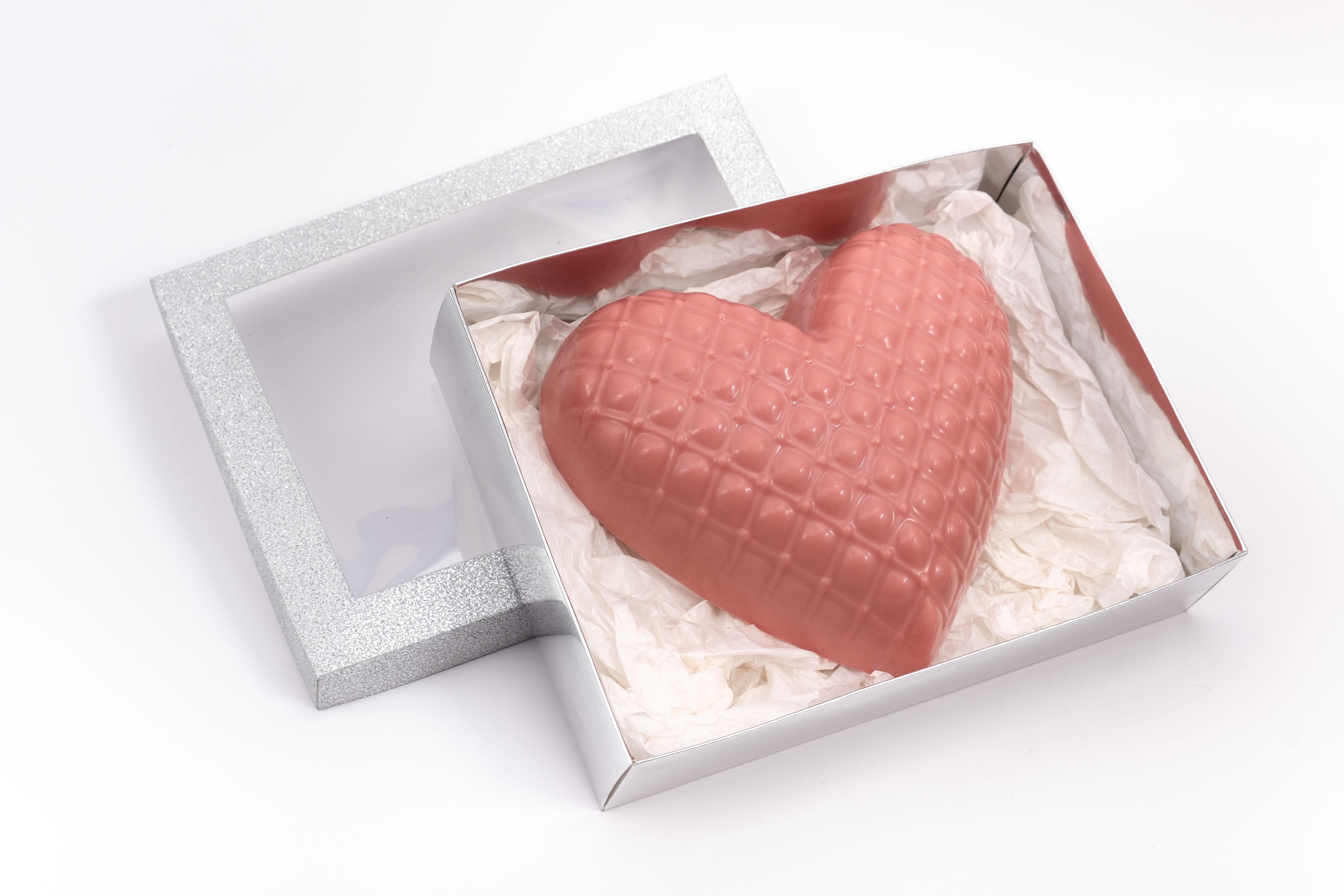 Caja corazón metalasse +  trufas frutales