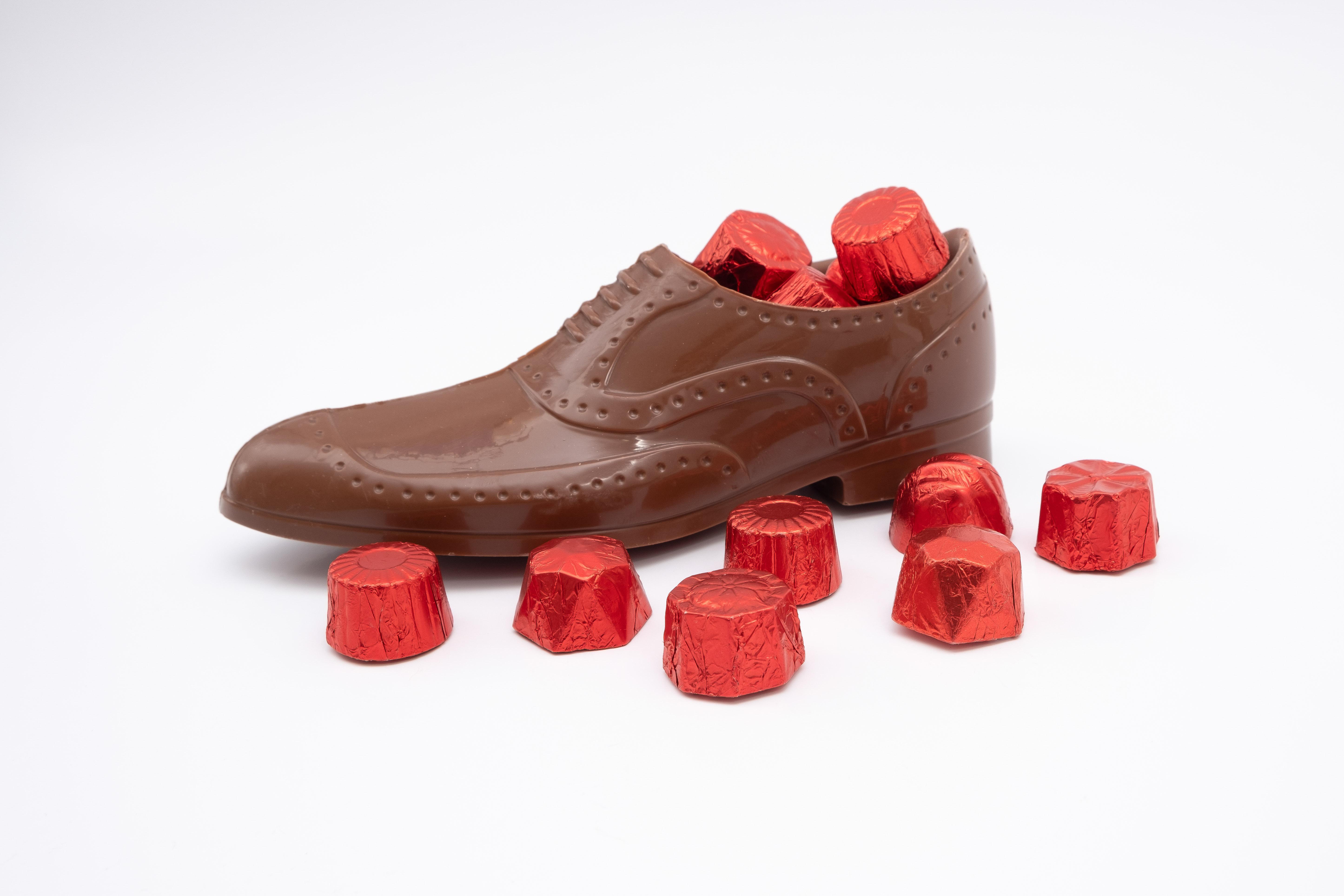 Zapato hombre + 10 bombones