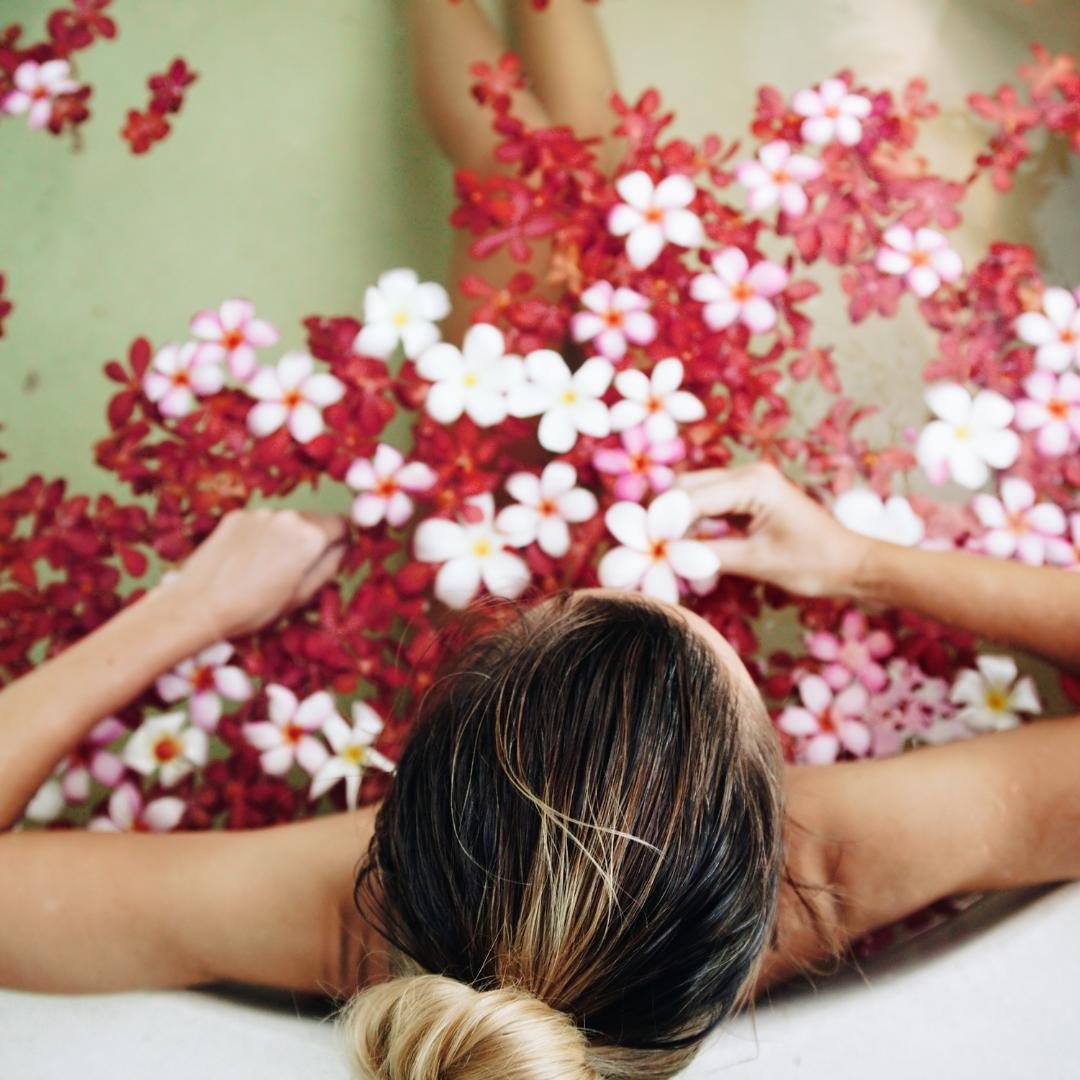 6 alternativas naturales para reducir los dolores menstruales