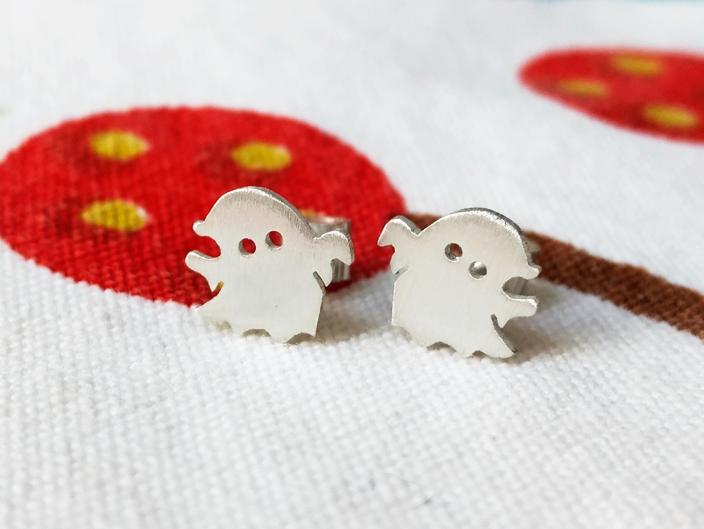 Aretes Niñas Fantasmas
