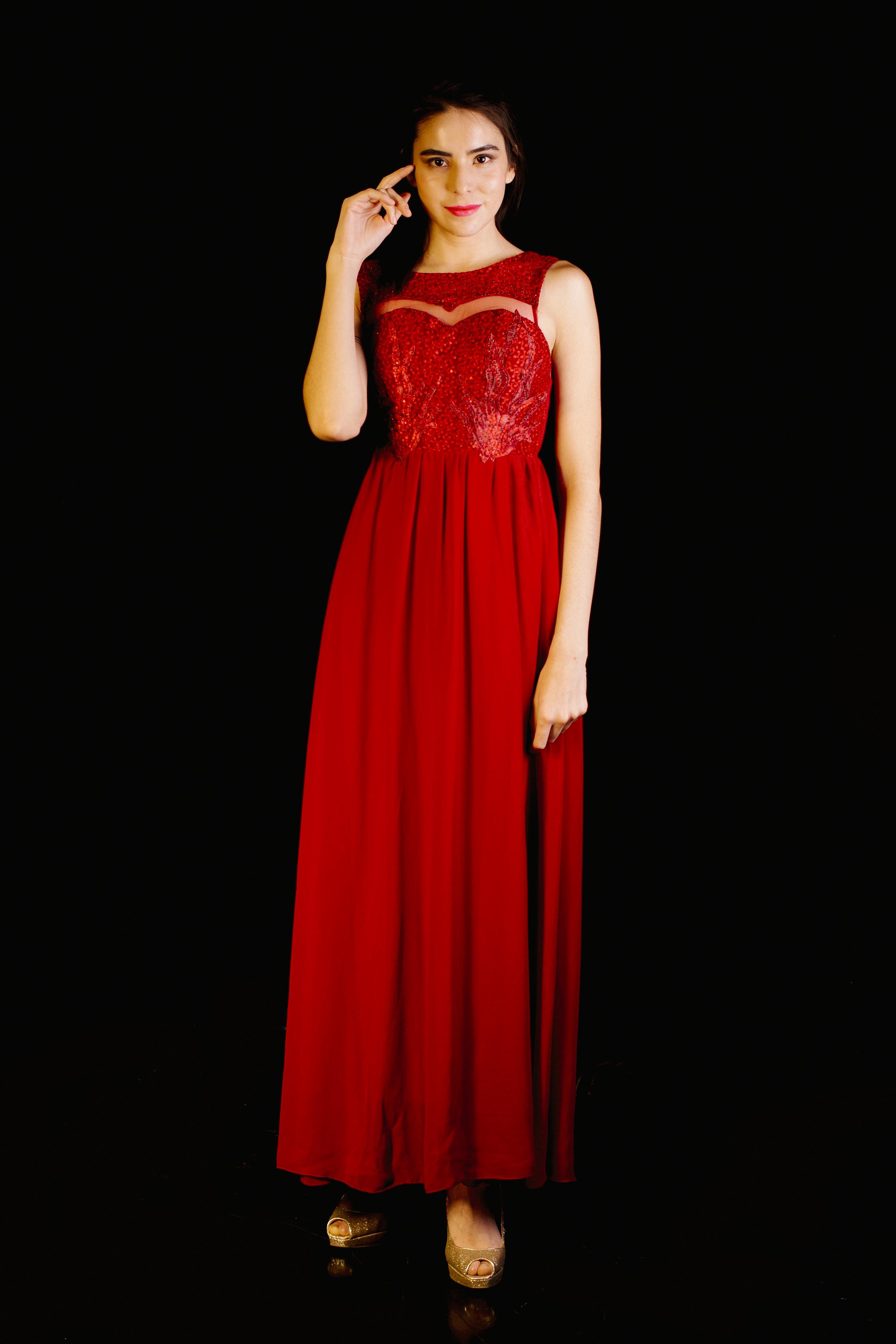 Vestido Lentejuelas Detalle Corazón
