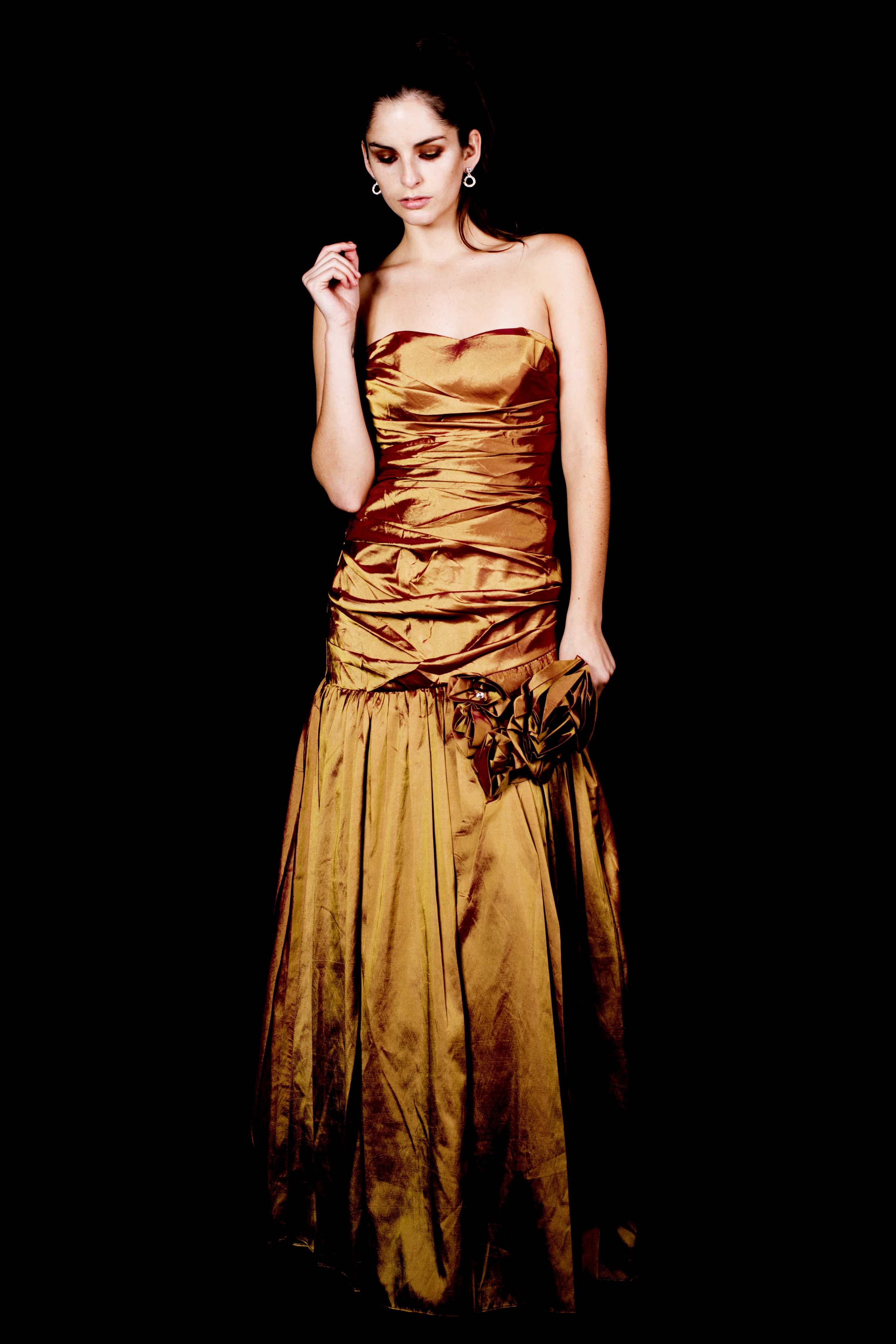Vestido Reina Flor Strapless