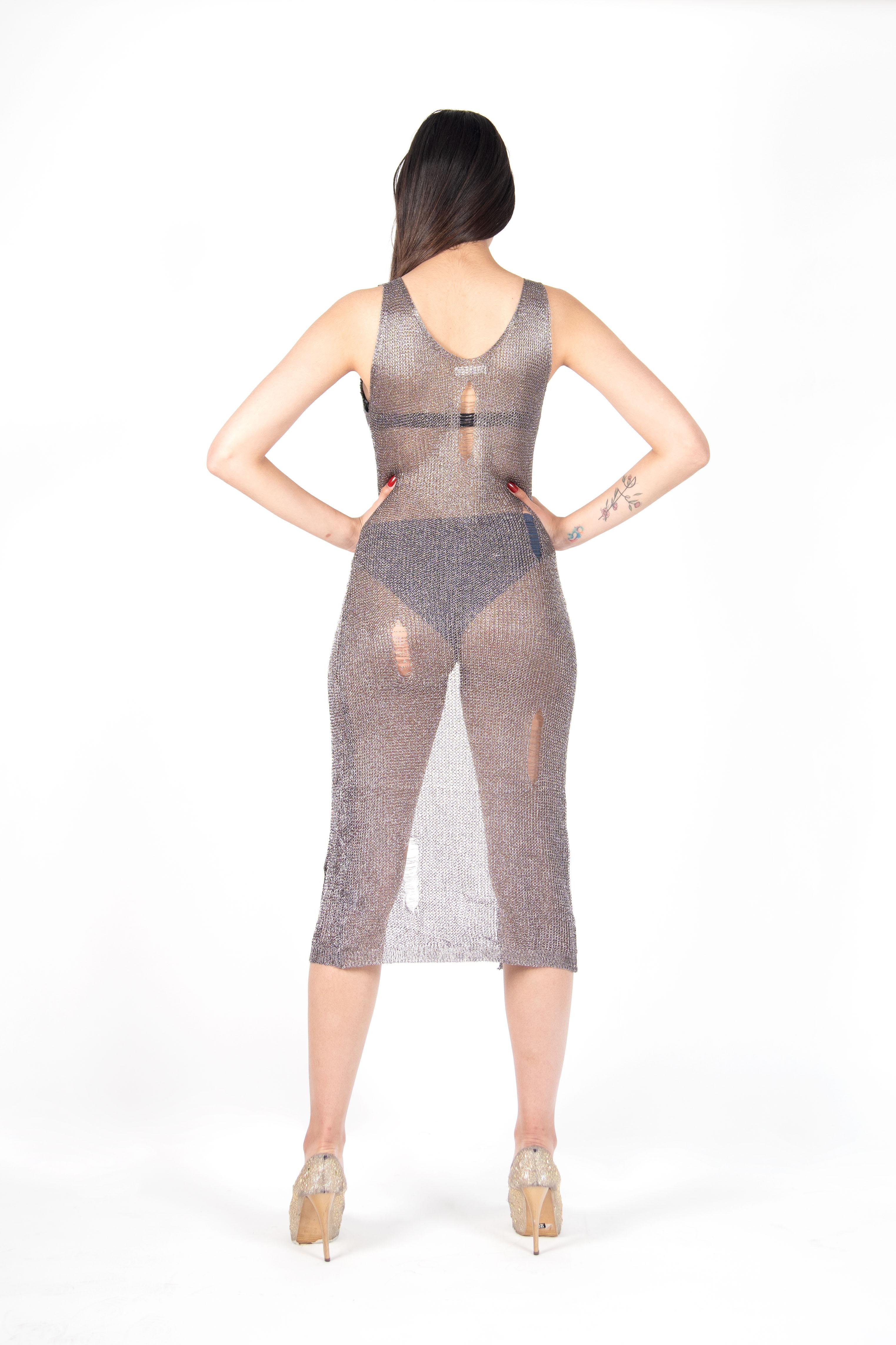 Vestido Metalizado Corte Centro