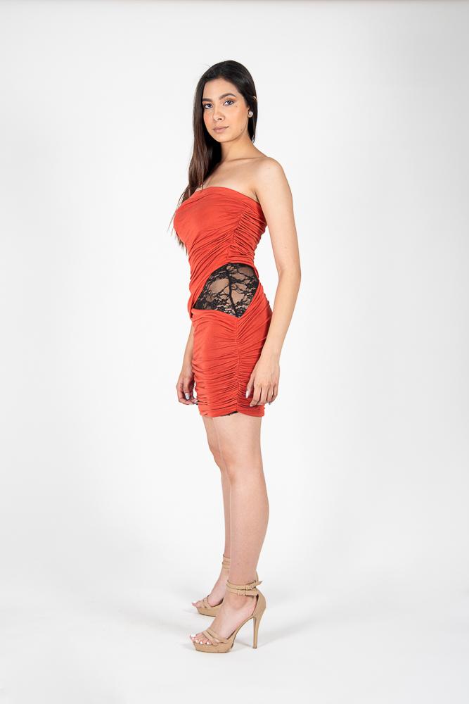 Mini Tube Dress con Encaje en el Lado