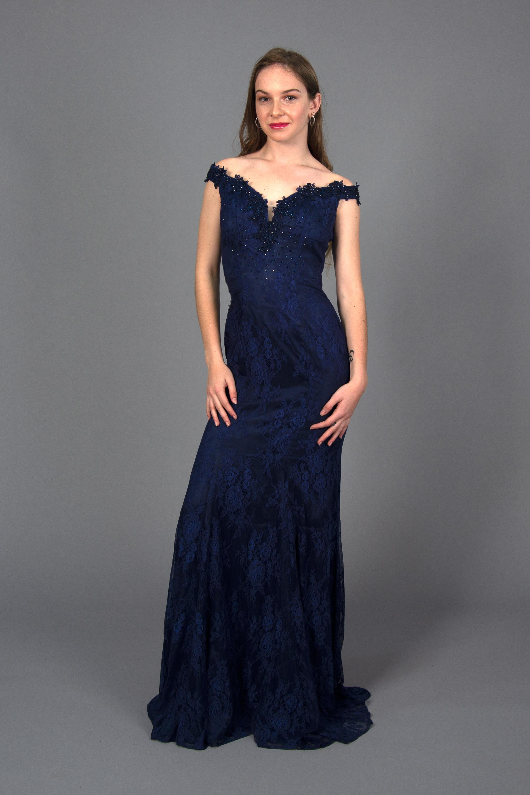 Vestido Sirena Pedrería En Escote