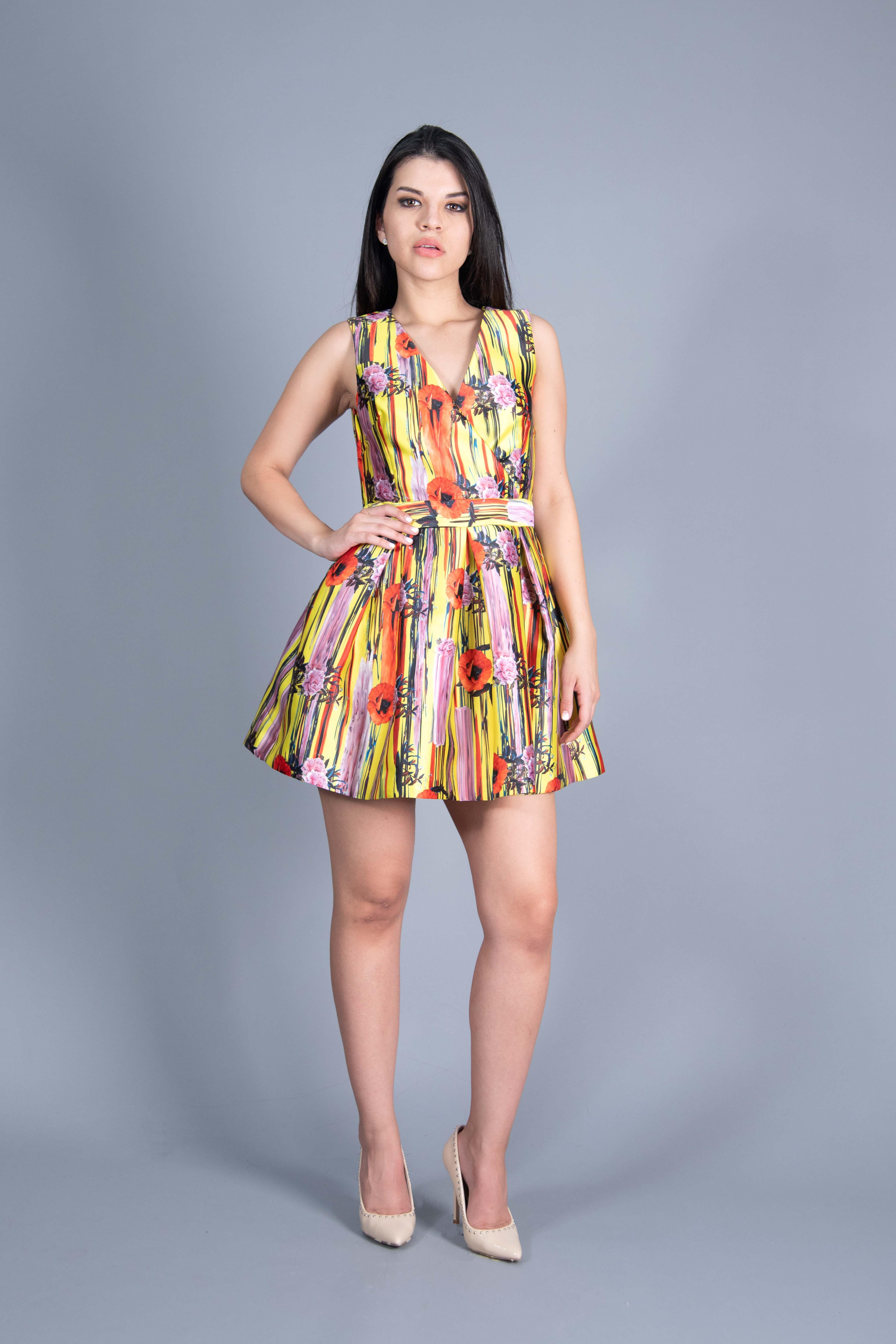 Vestido Retro con Escote
