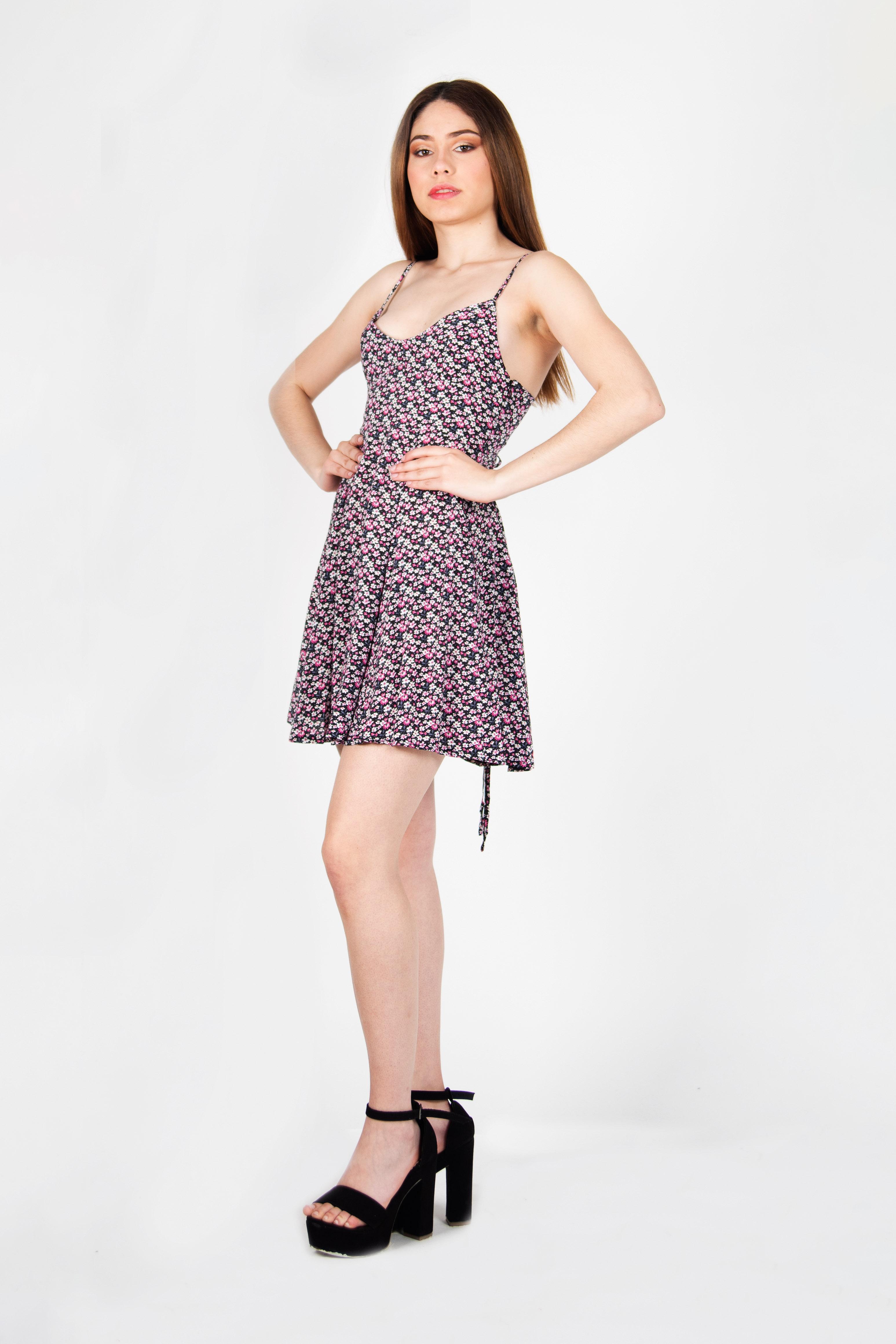 Vestido Straps Corto
