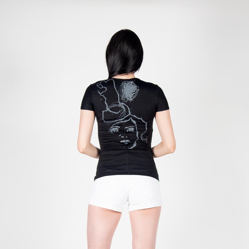 Polera Lisa Diseño Espalda