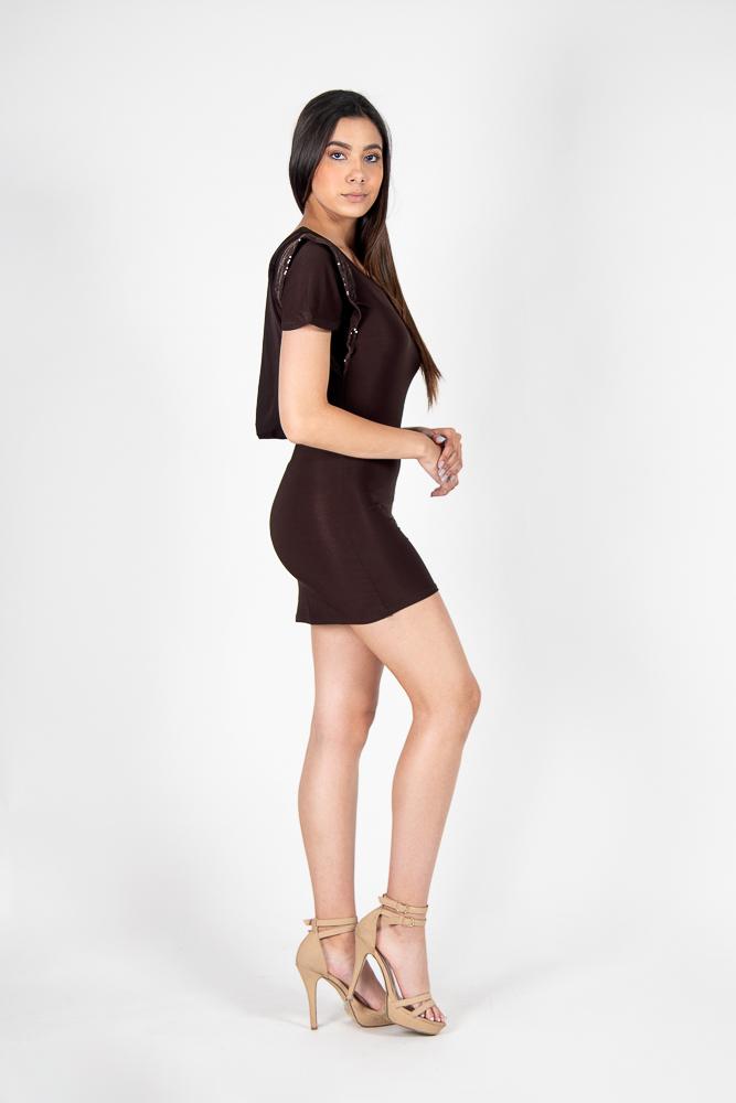 Vestido Mini Ajustado Mangas Cortas