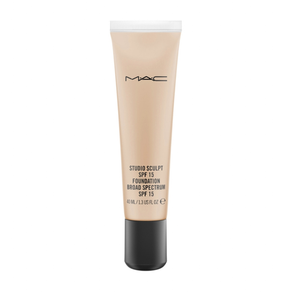 MAC studio sculpt spf 15 foundation  NC35