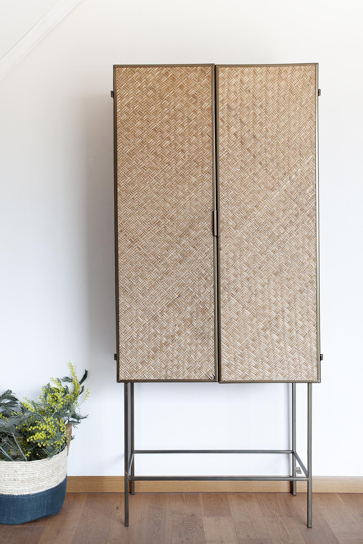 Mueble metálico junco