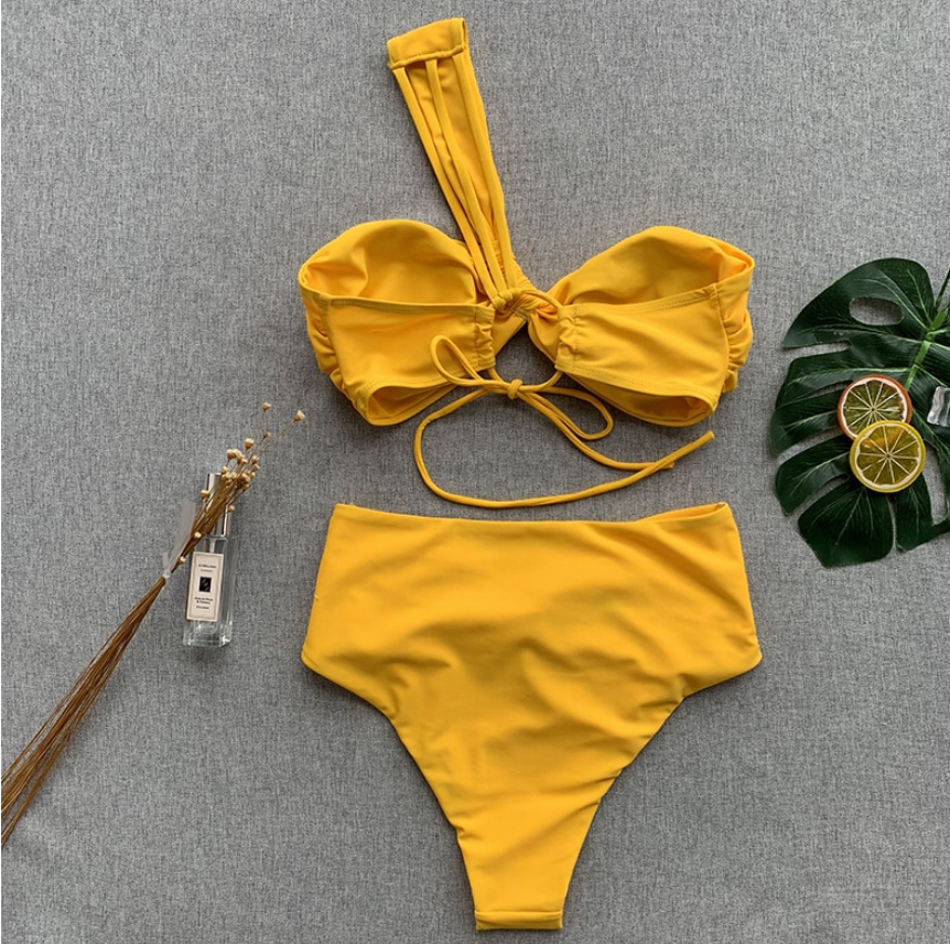Veronica In Yellow Bikini
