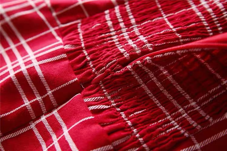 Vestido rojo cuadrille