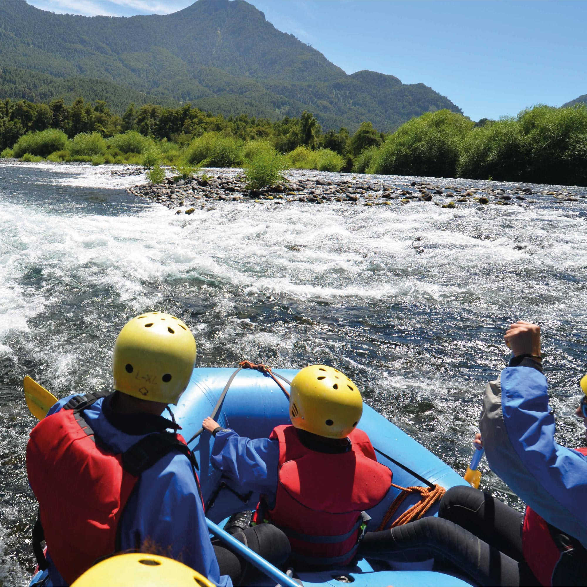 Floating (Rafting Familiar) - 10.00am  y 15:30pm