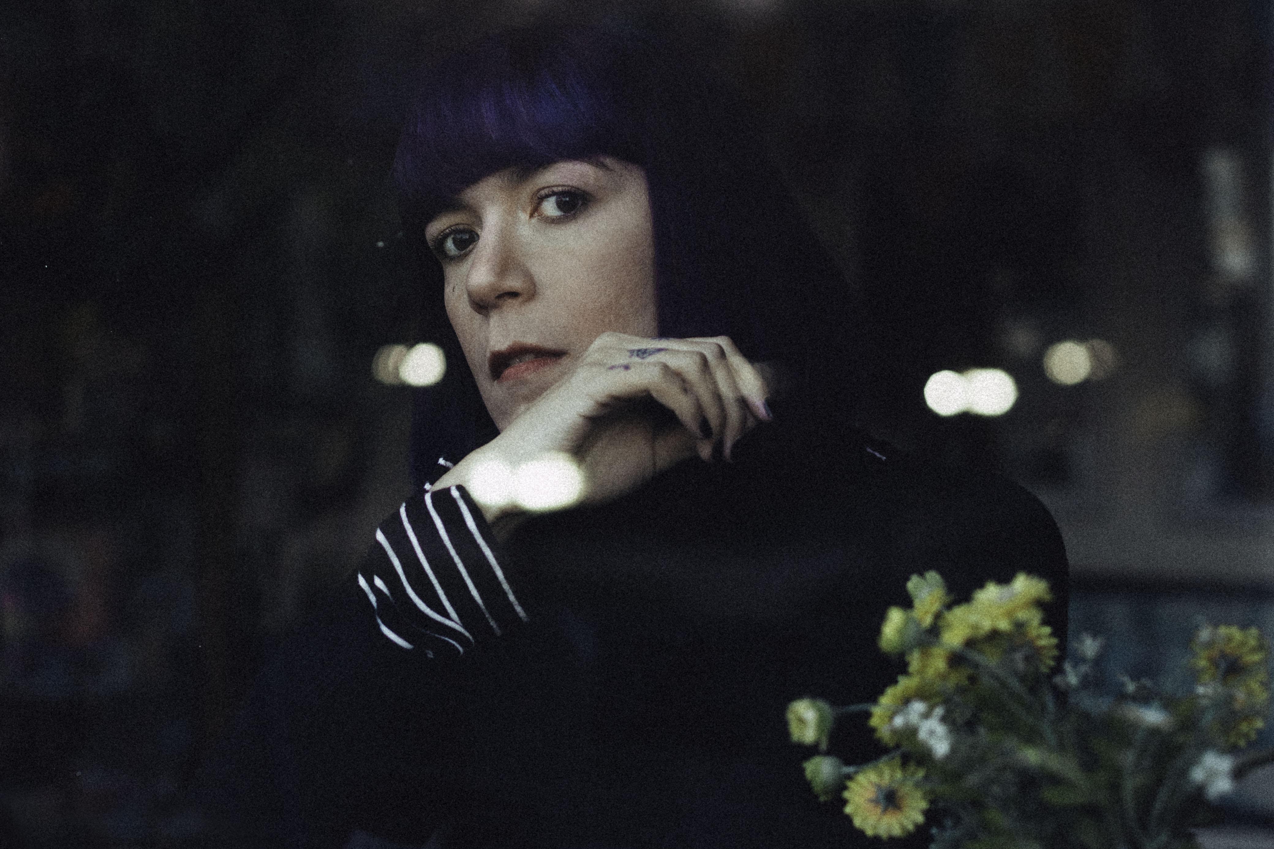 Felicia Morales presenta su expansivo synthpop en