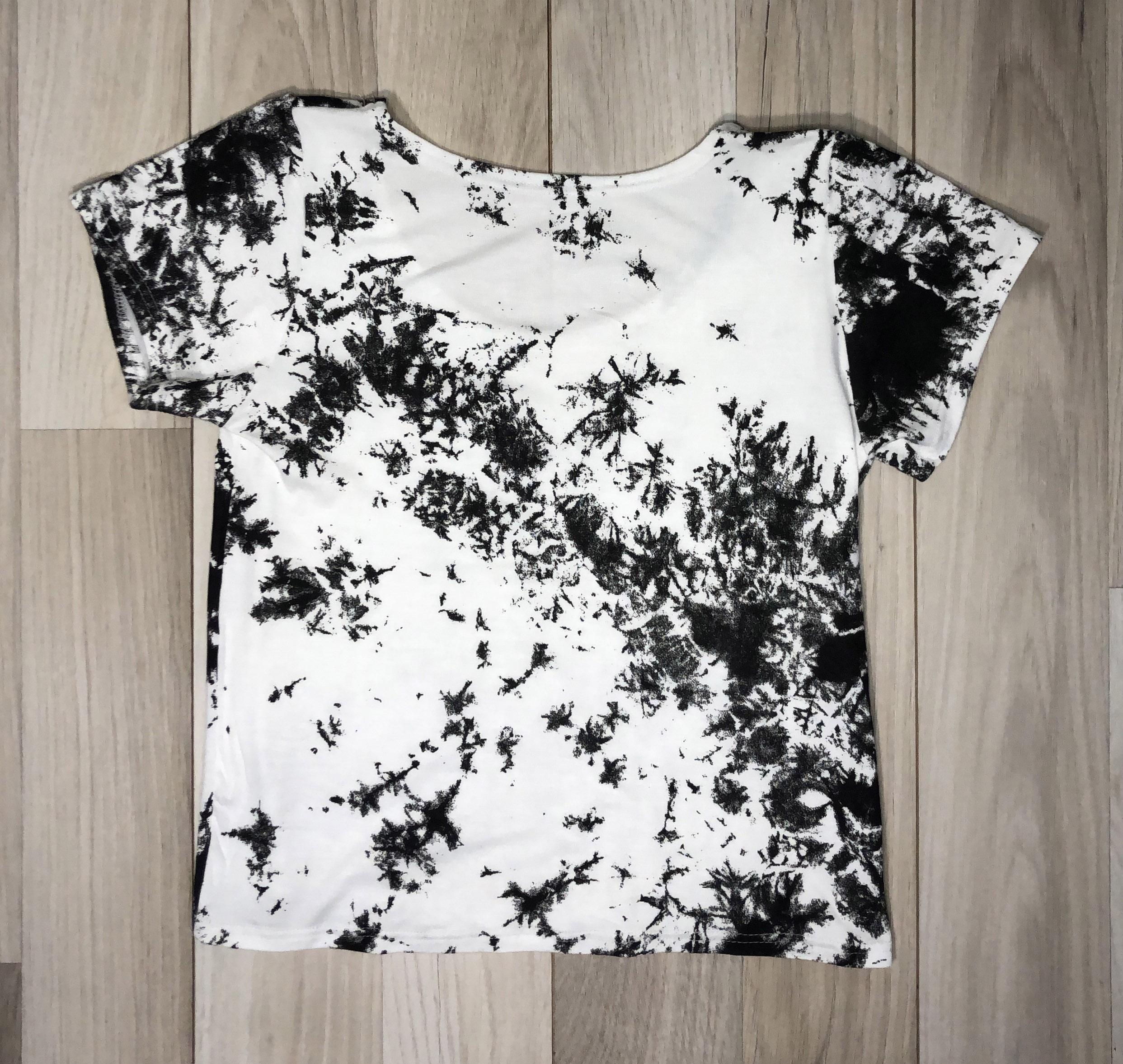 Top crop con mangas Tie Dye Negro