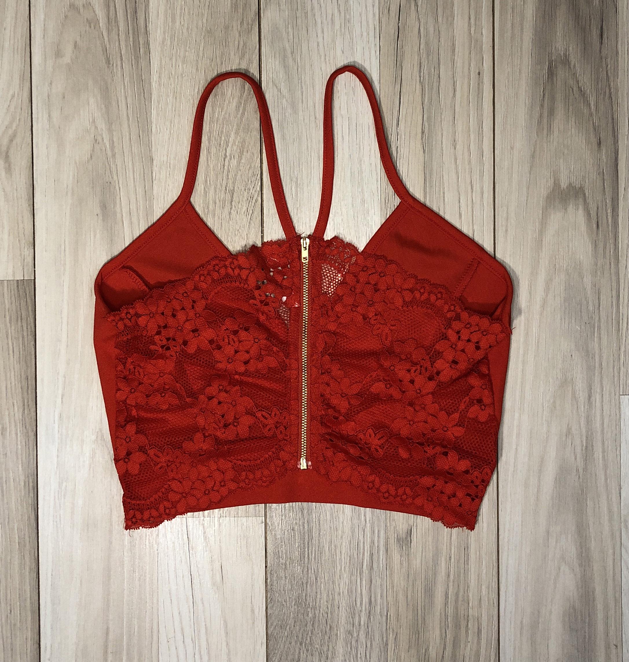 Top Crop Rojo con encaje en espalda