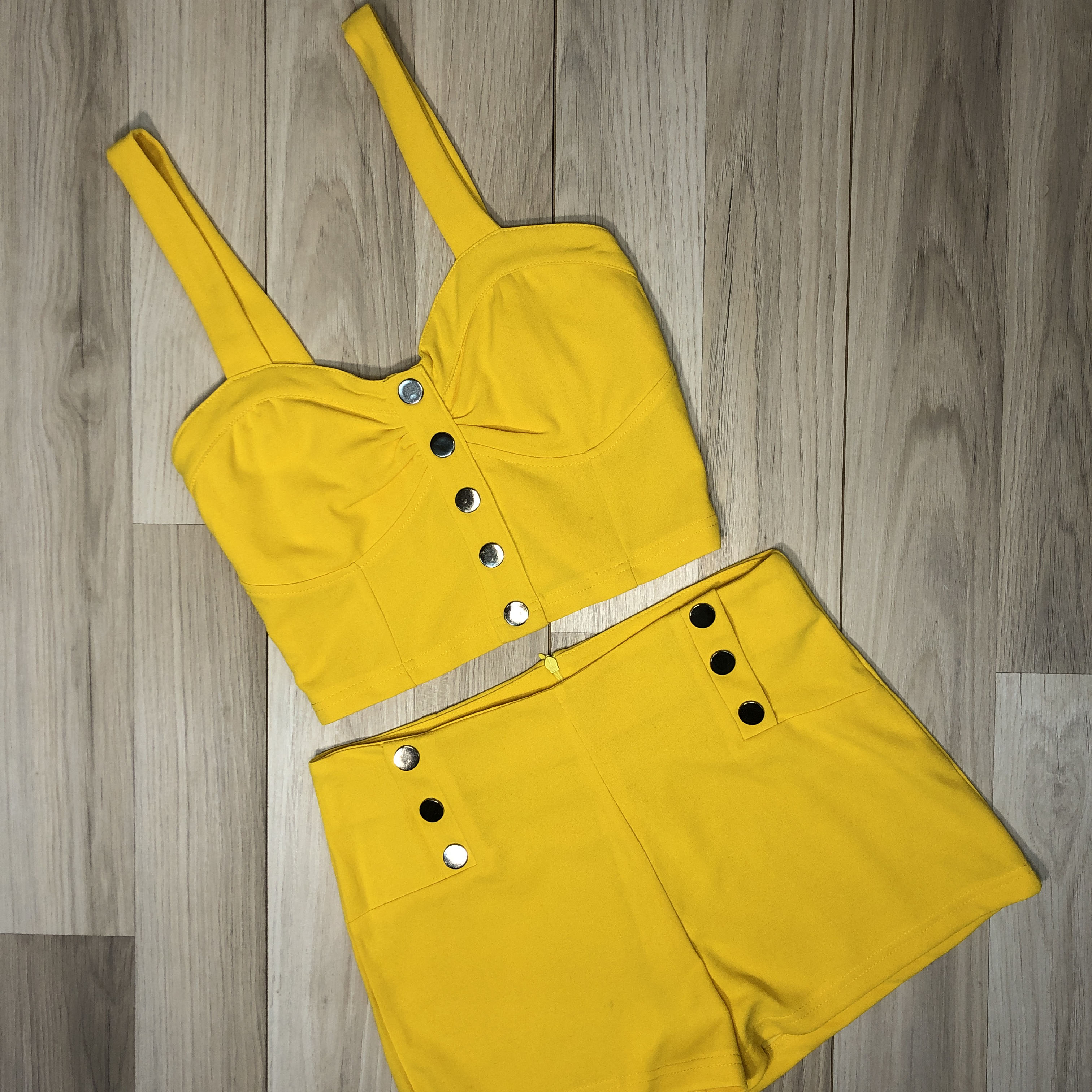 Conjunto Amarillo