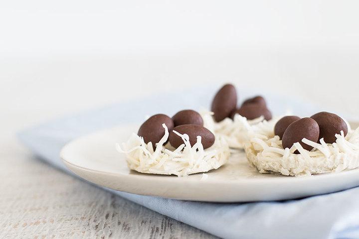 Receta: Nido de coco y huevitos de chocolate