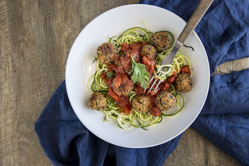 Receta: Albóndigas Veganas y Spaguetti de Zapallo Italiano