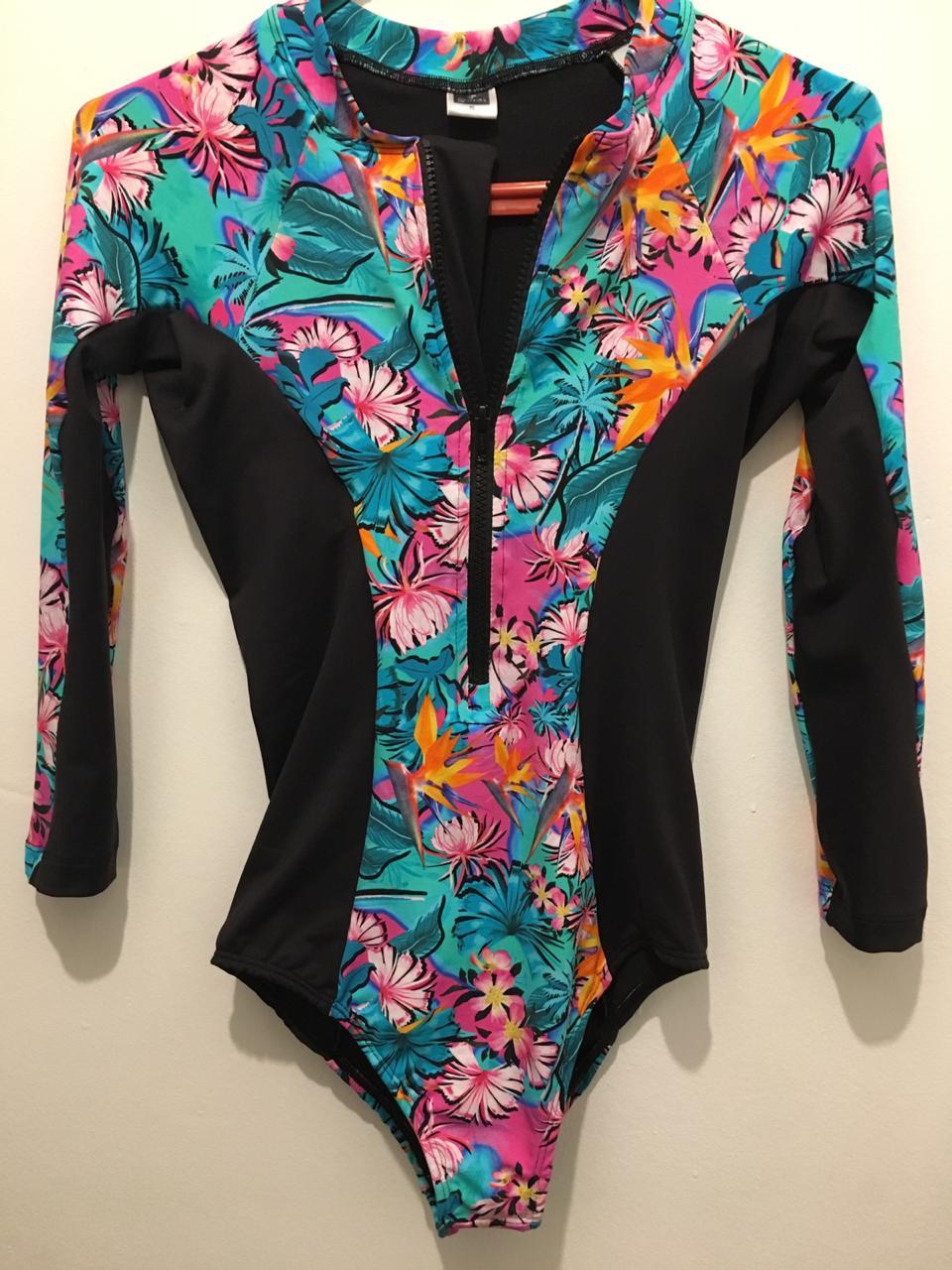 Body Surf Líneas Laterales Negras Dani Flower