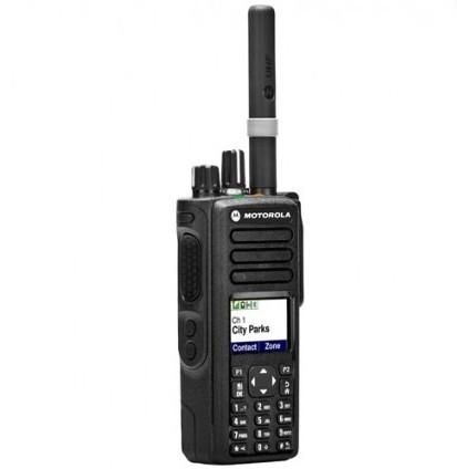 RADIO HANDY MOTOROLA DGP 5550 UHF SEMINUEVA