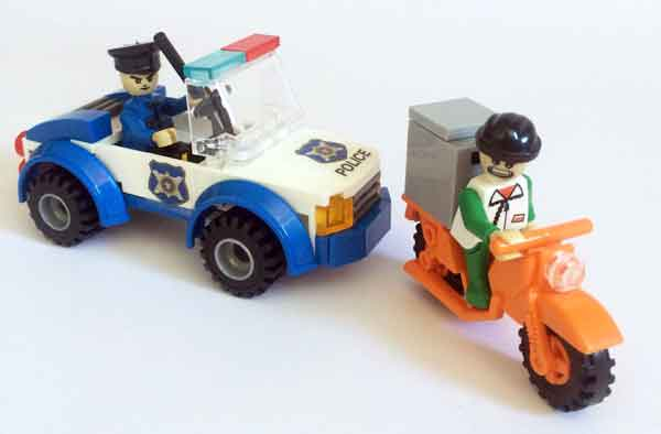 Policía y ladrón en auto y moto Cogo compatible con Lego - Tec-Toys
