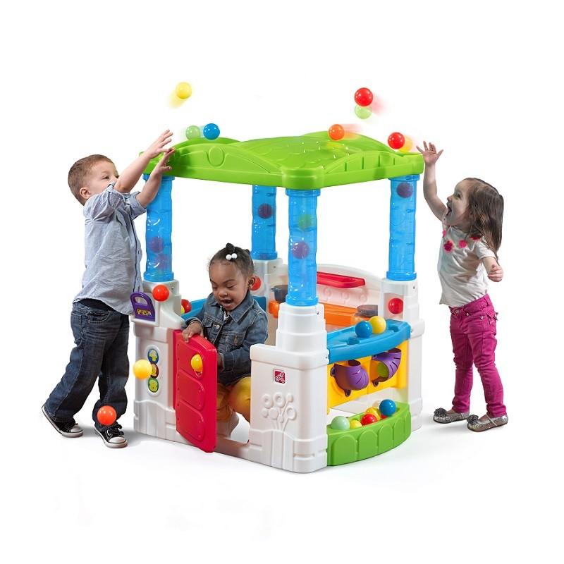 Casita y juego de pelotas for Casitas de jardin de plastico