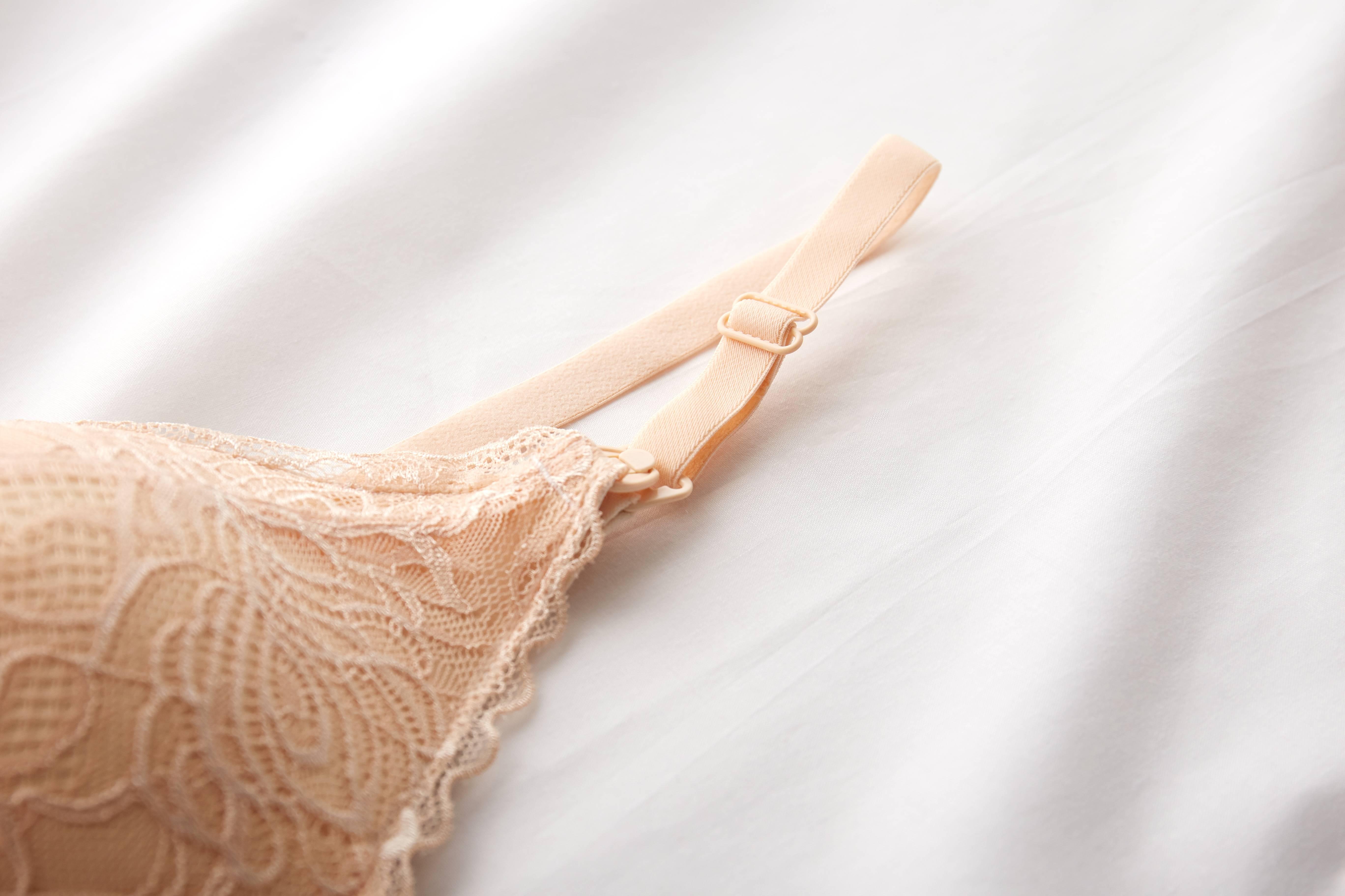 Sostén nude tipo bralette
