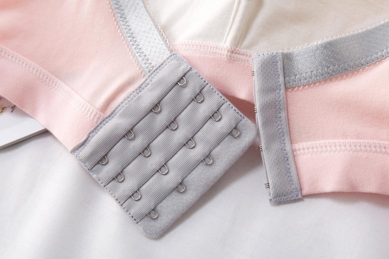 Sosten liso gris con rayas blancas