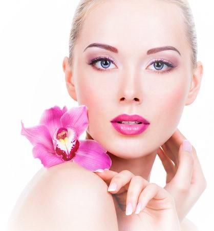 Tónico facial agua de rosas + crema multi vitaminas + contorno ojos miel