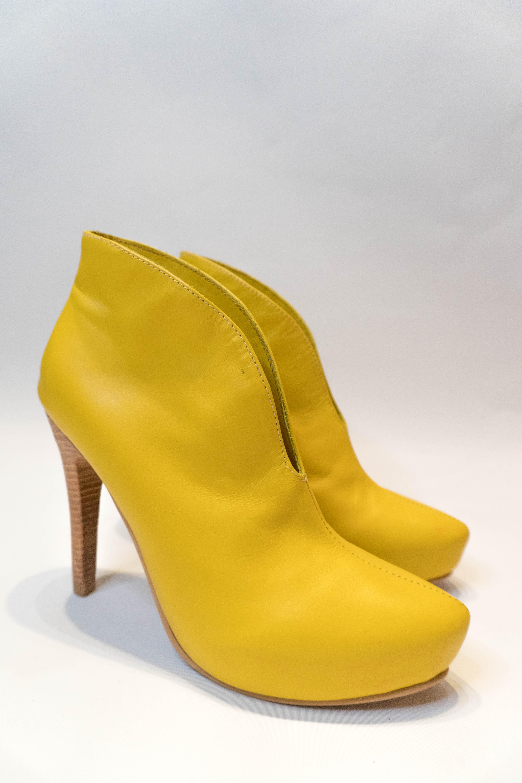 Francia Amarillas Taco Aguja