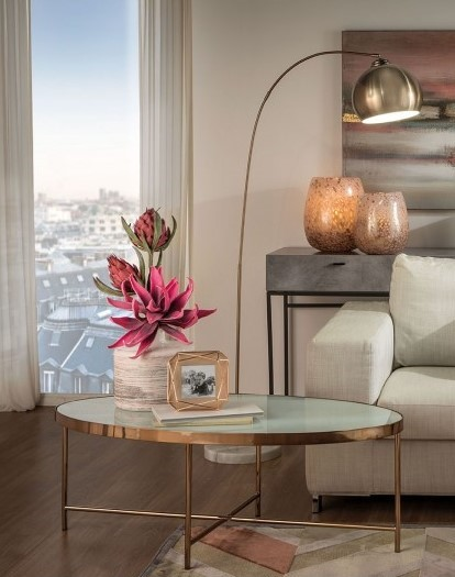 Jude - Oval Table in Metal and Tempered Glass