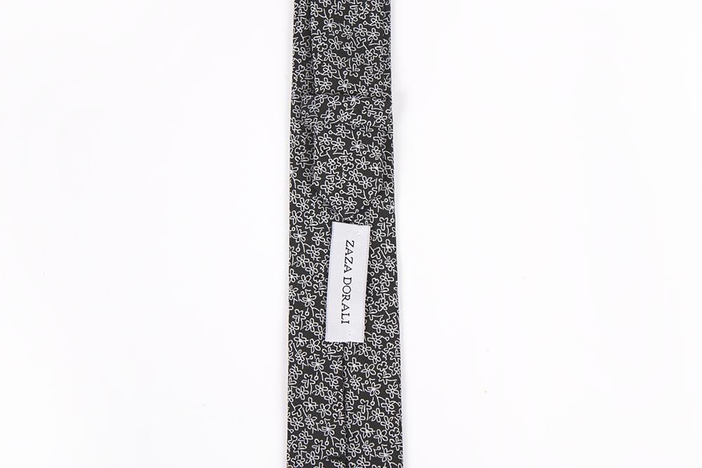 Corbata Negros flores blancas