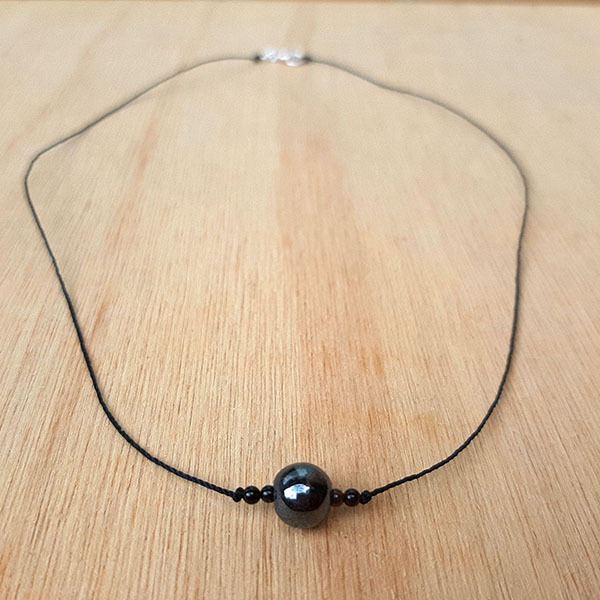 Collar Aterriza Minimal - Hematite y Onix
